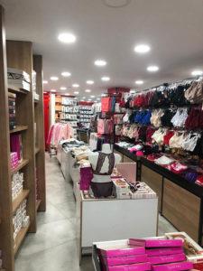 kozmetik mağaza raf sistemleri